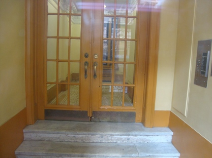 151 E 19th Street Front Interior Entryway (North)